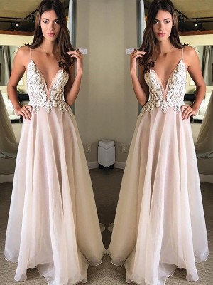 A-Line/Princess Spaghetti Straps Sweep/Brush Train Applique Chiffon Dress