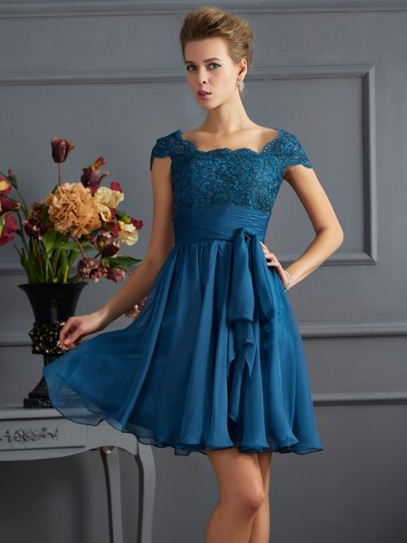 A-Line/Princess Scoop Short Sleeves Lace Short Chiffon Bridesmaid Dress