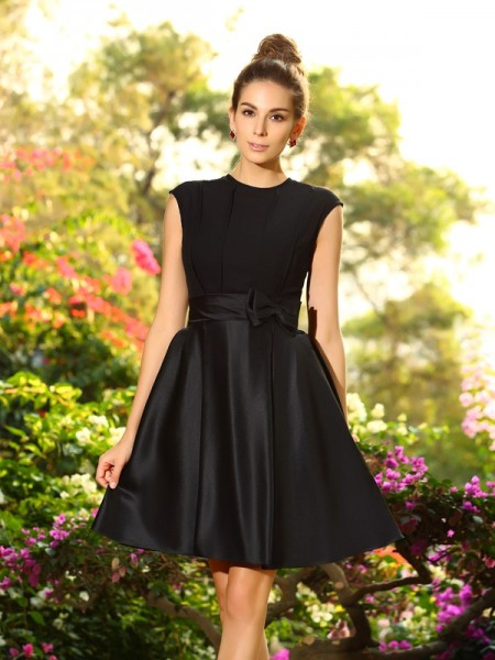 A-Line/Princess High Neck Bowknot Short Satin Bridesmaid Dress
