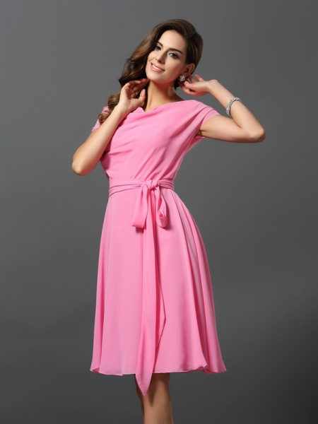 A-Line/Princess Scoop Sash/Ribbon/Belt Short Sleeves Short Chiffon Bridesmaid Dress