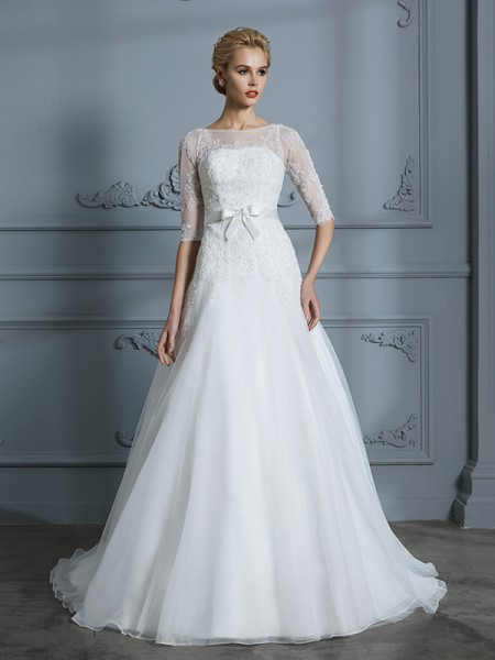 A-Line/Princess Scoop Court Train Tulle Wedding Dresses