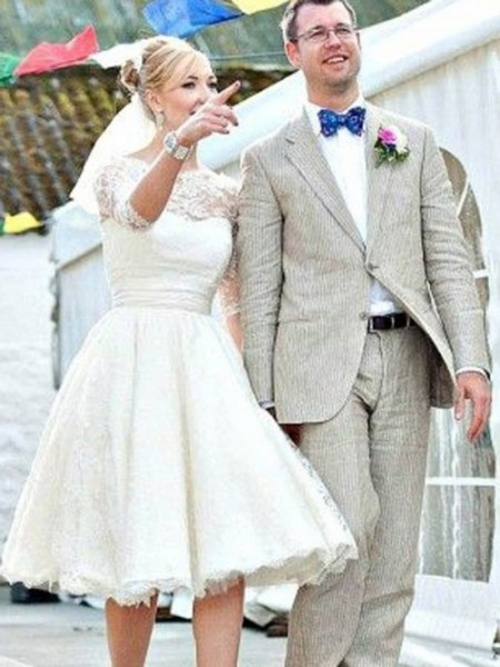 A-Line/Princess Scoop Knee-Length Lace Wedding Dresses