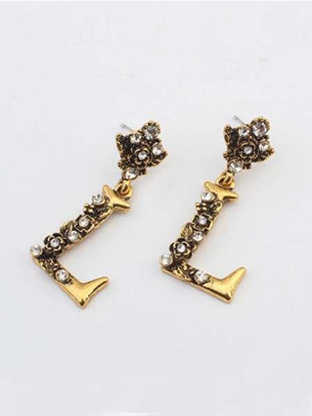 Alphabet Stud Earrings J0104531JR