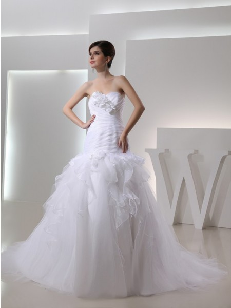Trumpet/Mermaid Sweetheart Organza Wedding Dress