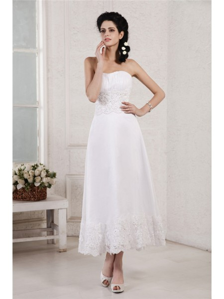 A-Line/Princess Strapless Pleats Applique Short Chiffon Wedding Dress