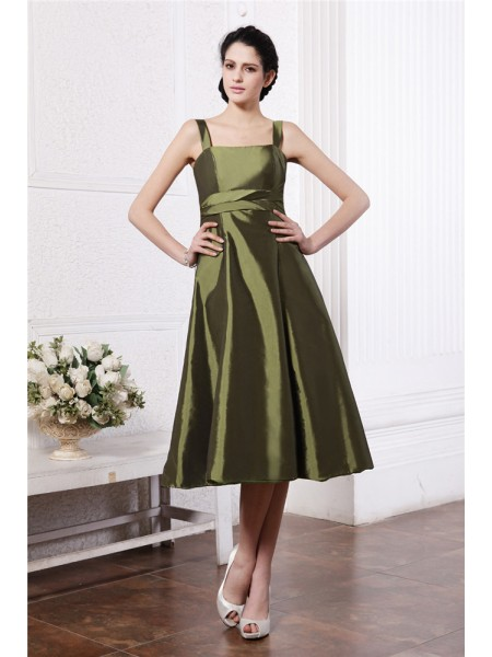 A-Line/Princess Square Ruffles Taffeta Bridesmaid Dress
