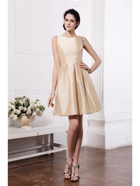 A-Line/Princess Scoop Pleats Taffeta Bridesmaid Dress