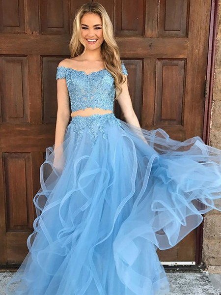 A-Line/Princess Off-the-Shoulder Tulle Applique Floor-Length Two Piece Dress
