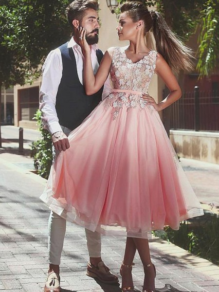 A-Line/Princess V-neck Tea-Length Tulle Dress with Lace