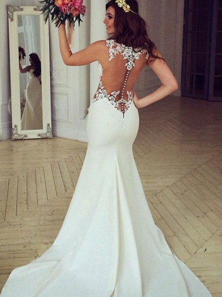 Trumpet/Mermaid Scoop Sleeveless Applique Lace Wedding Dress