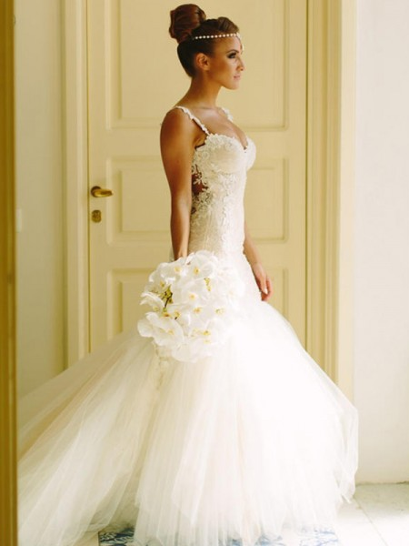 Trumpet/Mermaid Sleeveless Court Train Applique Lace Tulle Wedding Dress
