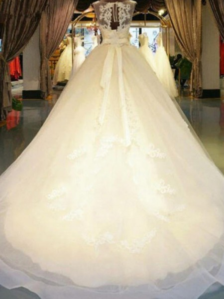 Ball Gown Sleeveless Beading Applique Lace Wedding Dress