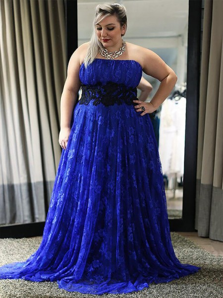 A-Line/Princess Strapless Lace Applique Floor-Length Plus Size Dress
